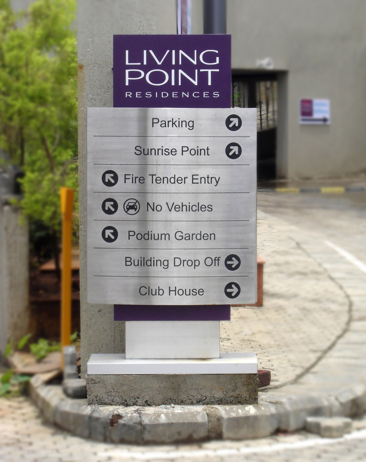 vehicular wayfinding signage design for residential complex
