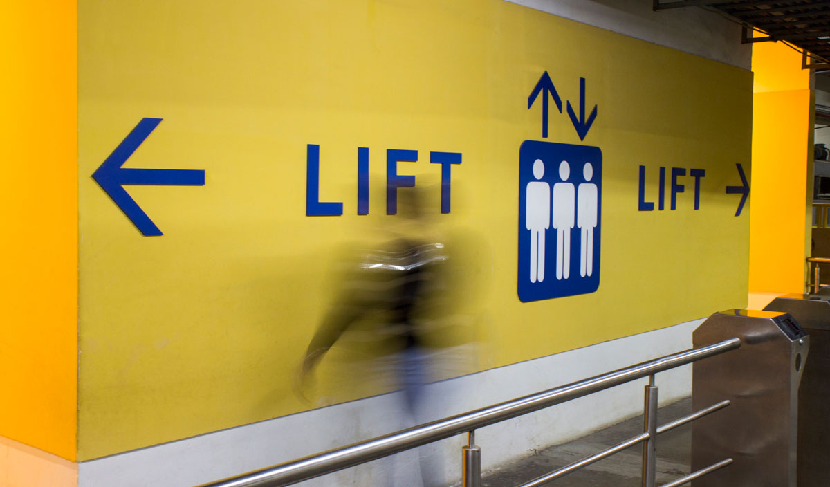 lift signage design for mall and commercial center