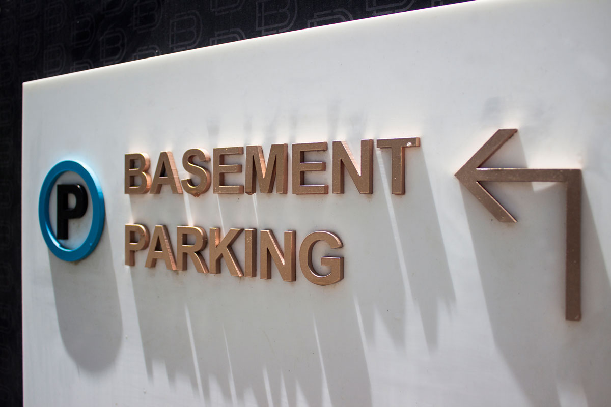 parking signage design for mall and commercial center
